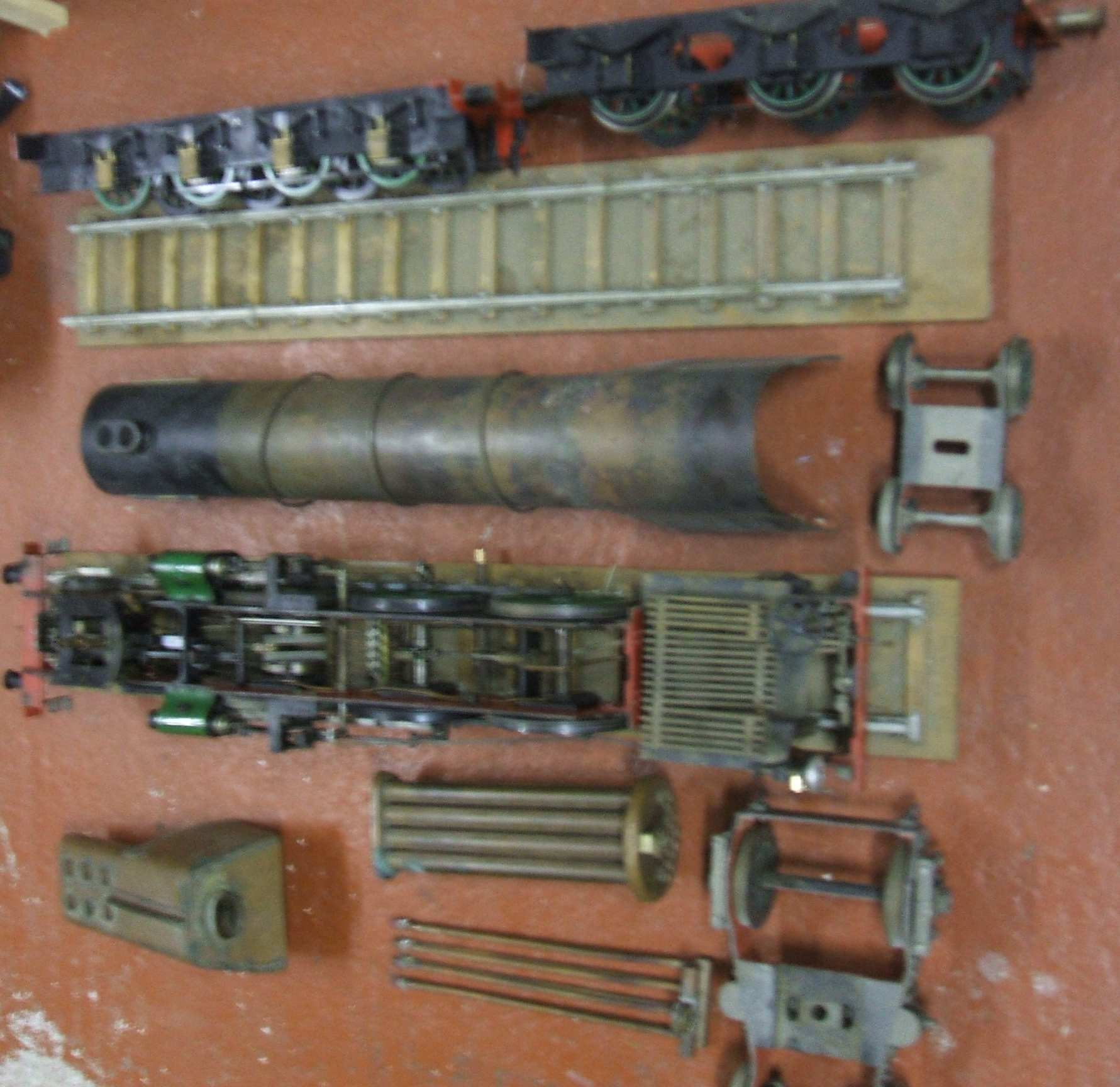 Hieland lassie 3.5ins gauge, job lot, part built.  : Click image for fullsize