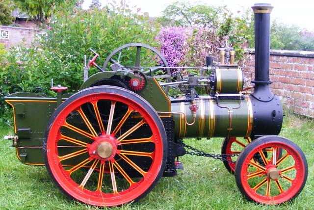 Burrell Traction Engine : Click image for fullsize