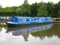 The Jobi Red  Canal Boat Exterior